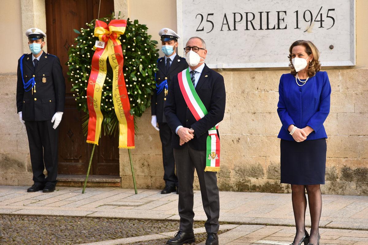 Il sindaco Nanni Campus e la prefetta di Sassari Maria Luisa d'Alessandro